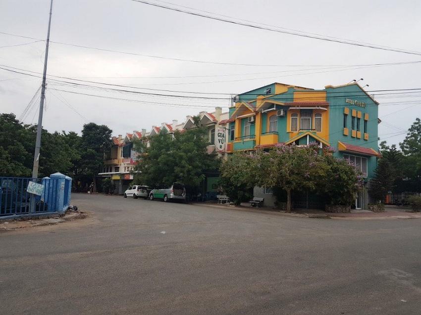 cho thuê nhà mặt tiền phường Phủ Hà