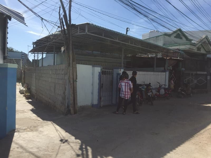 Bán nhà cấp 4 hẻm Yên Ninh