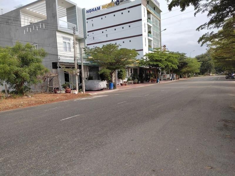 Bán đất mặt tiền đường Võ Giới Sơn